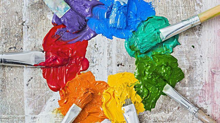 Очень часто красящие пигменты ведут себя агрессивно. Один и тот же цвет у разных производителей будет отличаться консистенцией и насыщенностью
