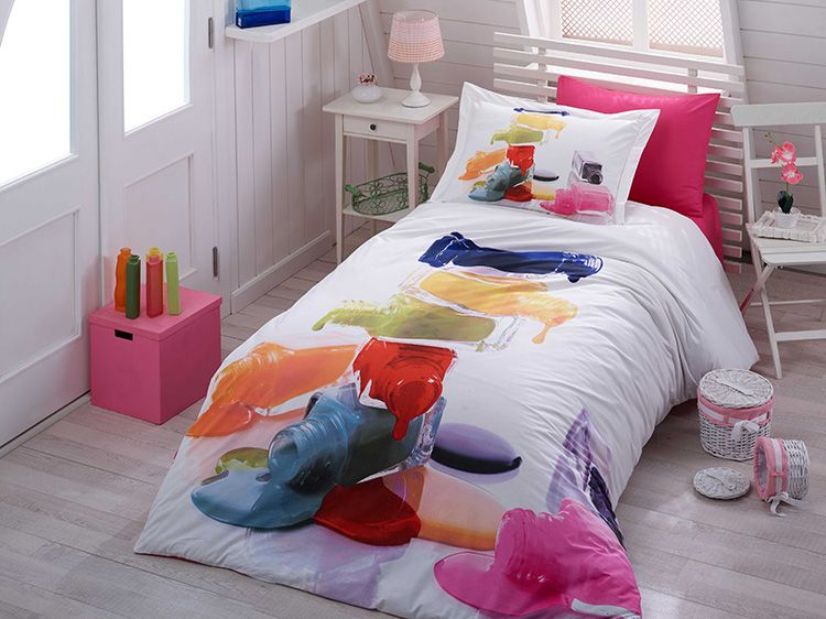 Классический пример полутораспальной кровати. Этот вариант отлично подойдёт для подростка