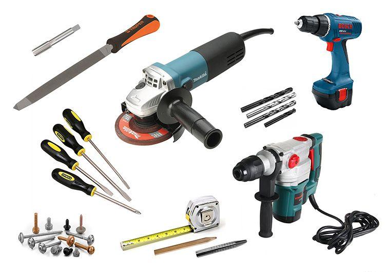 Для работ нам потребуются следующие слесарные инструменты: сварочный аппарат, рулетка, болгарка, крепежи, изолента, дрель, свёрла, ножницы по металлу и ключи