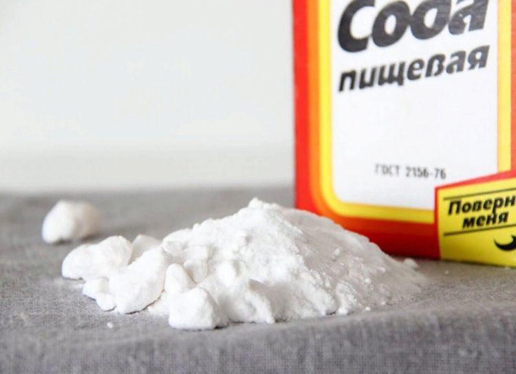 Сода – самый популярный помощник в борьбе за чистоту. Её используют там, где проигрывают другие