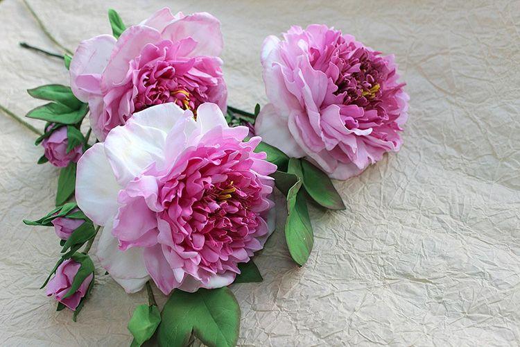 Благородные розы, лилии, орхидеи и простые полевые цветы: шедевры из фоамирана своими руками, которые не отличить от настоящих