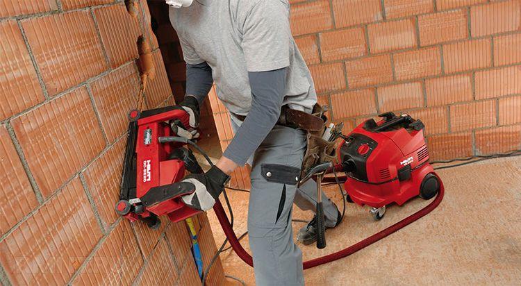 Вес штробореза – очень важный критерий. Если вы планируете штробить потолок или выполнять работы с нагрузкой на руки, то этот параметр будет для вас ключевым