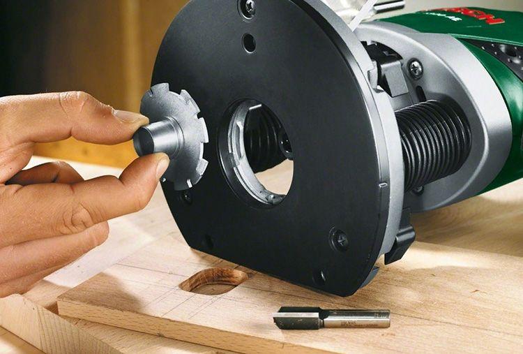 Еще одним приспособлением, которым часто оснащают как вертикальный фрезер, так и ручной электроинструмент горизонтального типа, является копировальное кольцо.