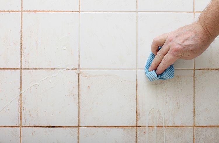 Отбеливатель хорошо справляется с грязью