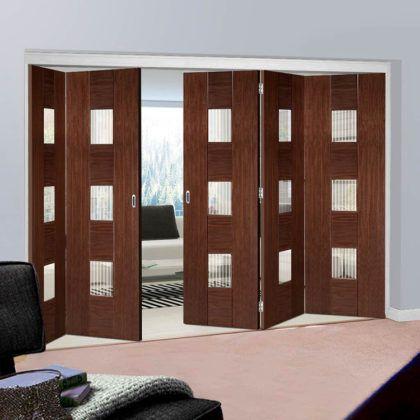 Выбираем складную межкомнатную дверь-книжку: фото в интерьере и каталог с ценами
