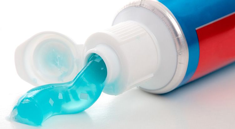 Включения эффективны для зубов, но могут повредить акрил