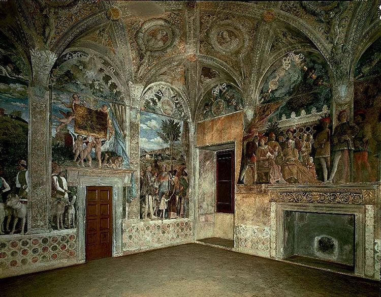 Фрески в старинном палаццо