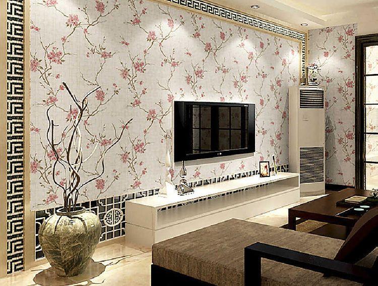 Фото зала в квартире с красивыми обоями