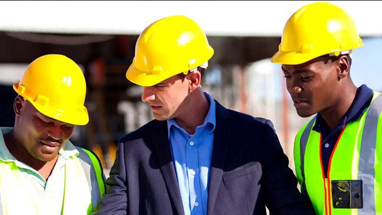 К выбору строительной компании для ремонта лучше подходить серьёзно