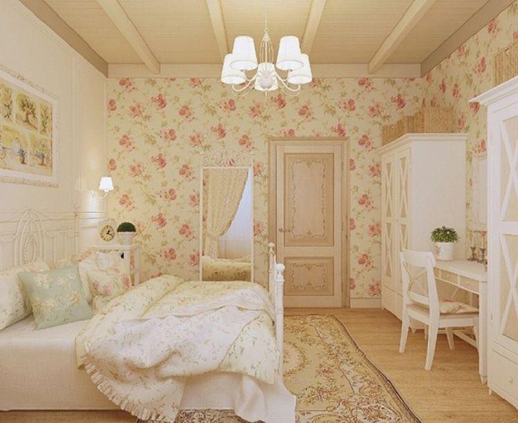 Дверь в прованскую спальню декорированная в технике «декупаж»