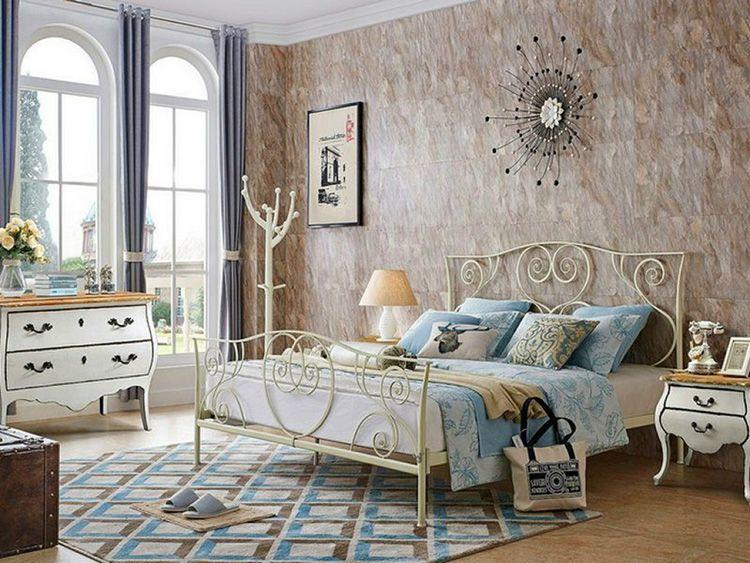 Металлическая кровать в прованском стиле