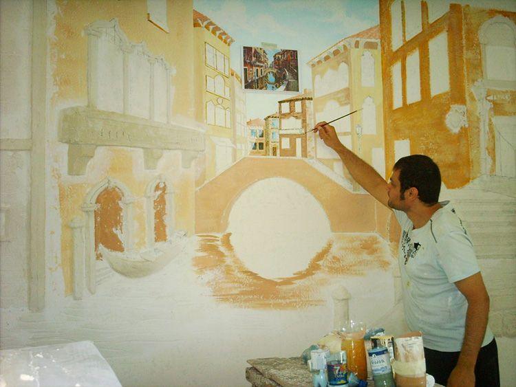 Создание фрески − сложный и трудоёмкий процесс