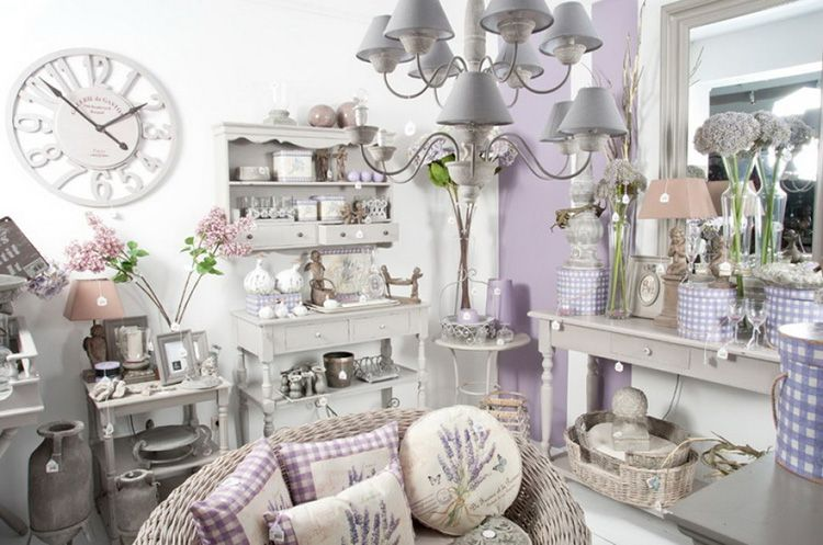 Большое количество декора и текстиля – отличительные черты «прованса»