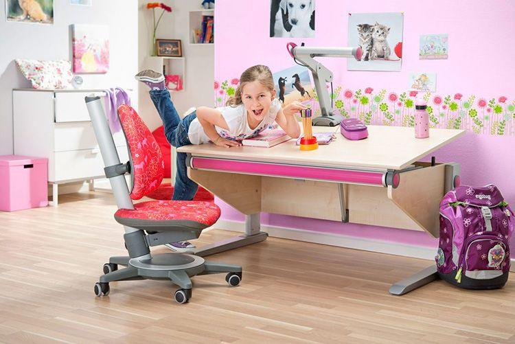 Парта и кресло с регулировкой высоты и положения столешницы и сиденья