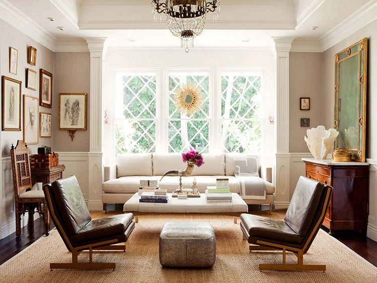 В этой гостиной уже сама отделка и каждый предмет являются элементом декора