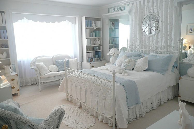 Прованский стиль в интерьере спальни располагает к нежности
