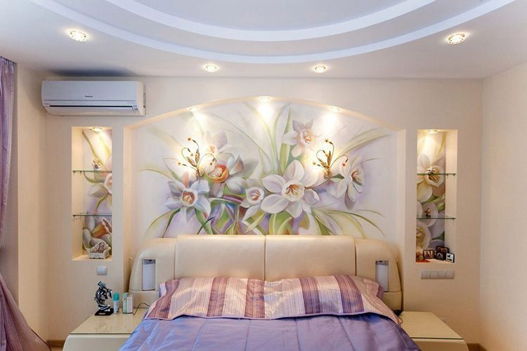 Фреска «Цветы» на стене спальни