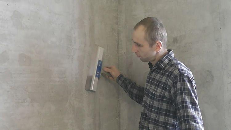 Чем лучше подготовлены стенки, тем стремительней и легче склеиваются обои