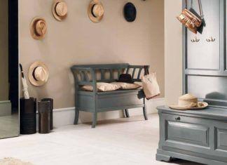 Банкетка в прихожую с сиденьем и спинкой: нелёгкий выбор простого предмета