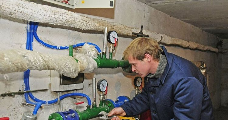 Приборы учёта показывают количество поступающих ресурсов и тех, которые тратятся жильцами (согласно показаниям индивидуальных приборов учёта электроэнергии, воды и так далее).