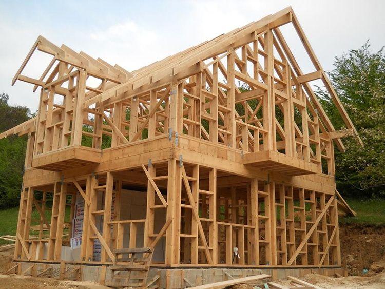Такое строение отличается простотой возведения и доступной стоимостью материалов