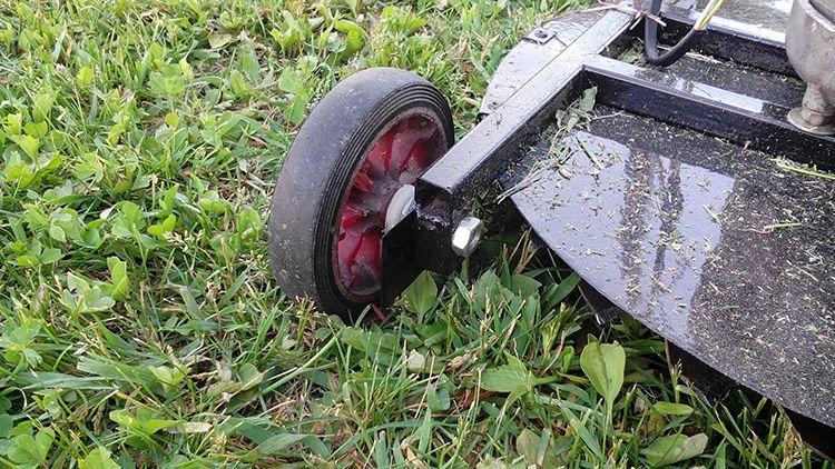 Колеса можно «позаимствовать» от старой коляски.