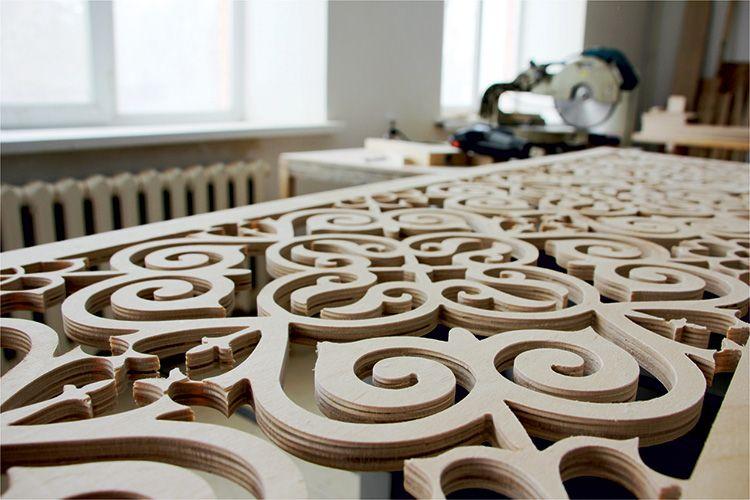 Фрезером можно не только работать с плоскими поверхностями, но и создавать выемки и пазы