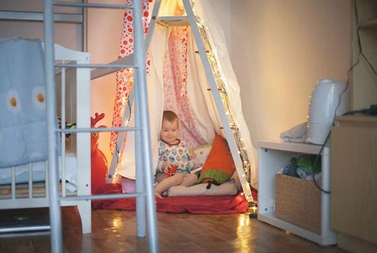 Ваш ребёнок получает не только укрытие, но и дополнительные полочки в виде ступенек