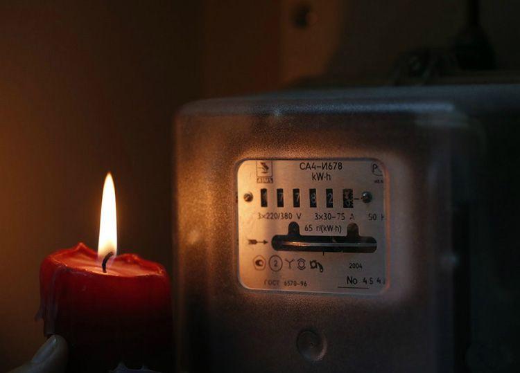 В этом случае, кроме штрафа, собственника жилья может ждать полное отключение от электроснабжения по суду