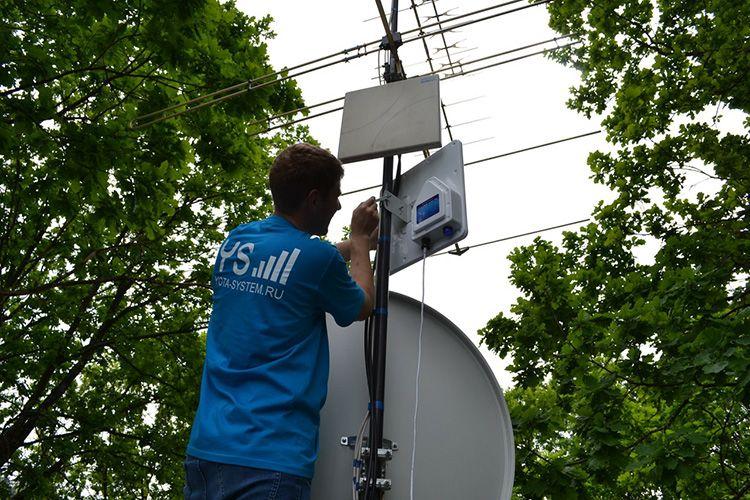 Подключение выполняется по типовой схеме, как при работе с точкой доступа Wi-Fi
