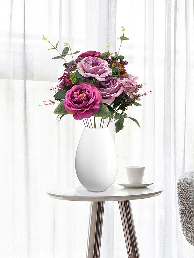 Узнать сразу искусственные цветы бывает сложно