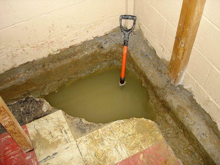 Для защиты от грунтовых вод следует подбирать гидроизоляцию подходящего типа