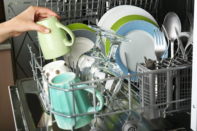 Посудомойку и стиралку надо заполнять полностью