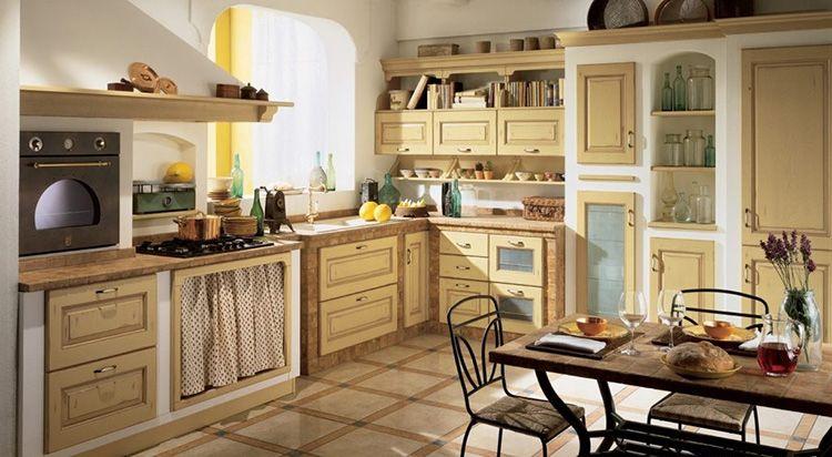 На кухне в «деревенском» стиле приятно завтракать или обедать в кругу семьи