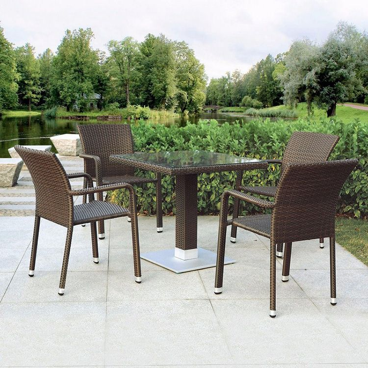 Столы и стулья из полиротанга прекрасно подойдут для обустройства дач, баз отдыха и пансионатов