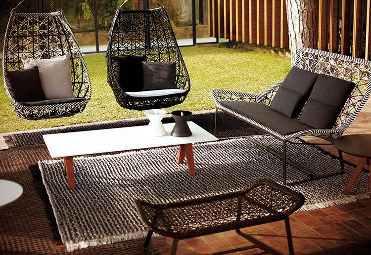Садовую мебель лучше не оставлять на открытом воздухе на весь зимний период