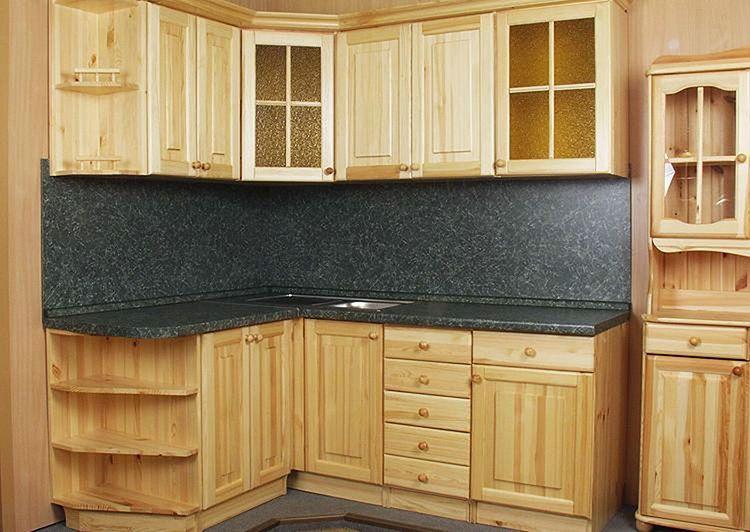 Кухня, полностью изготовленная из натурального дерева, по карману не каждому человеку