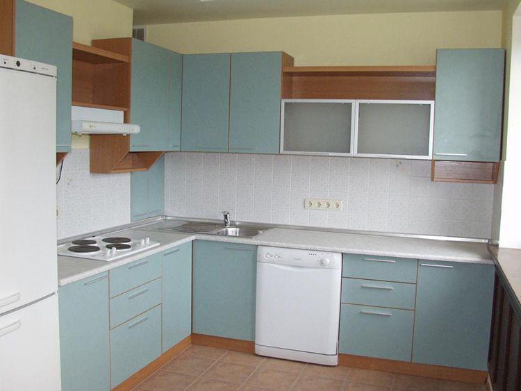Достоинство кухонных фасадов из ЛДСП заключается в богатом ассортименте расцветок
