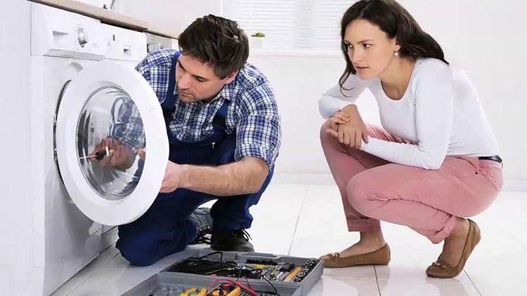 Для ремонта своей домашней помощницы лучше всё-таки вызвать специалиста
