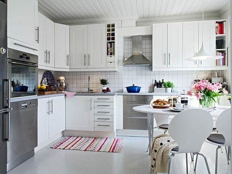 Яркий коврик с орнаментом украсит интерьер и придаст ему больше домашнего уюта
