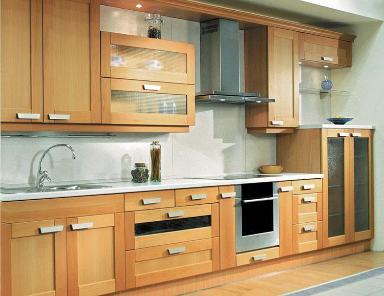 Кухонный гарнитур с рамочными фасадами выглядит очень привлекательно