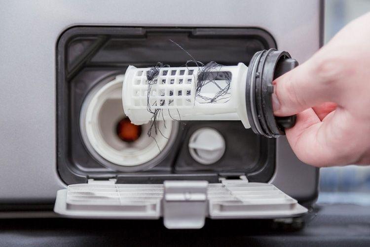 Частая причина поломки – забитый помповый фильтр