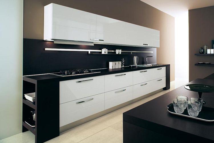 Классическое сочетание чёрного и белого цвета уместно в любом интерьере