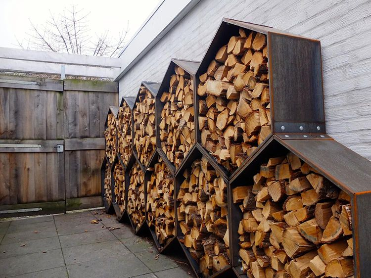 Не лучшее решение для хранения дров