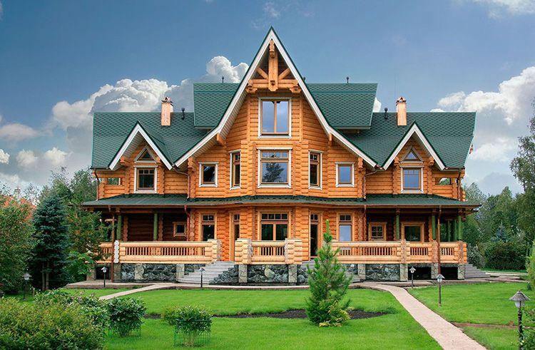 Деревянный дом имеет собственную «живую» ауру, в таком строении не хочется выяснять отношения, ругаться. Все, что вам нужно – это налить себе травяной чай и подумать об отдыхе