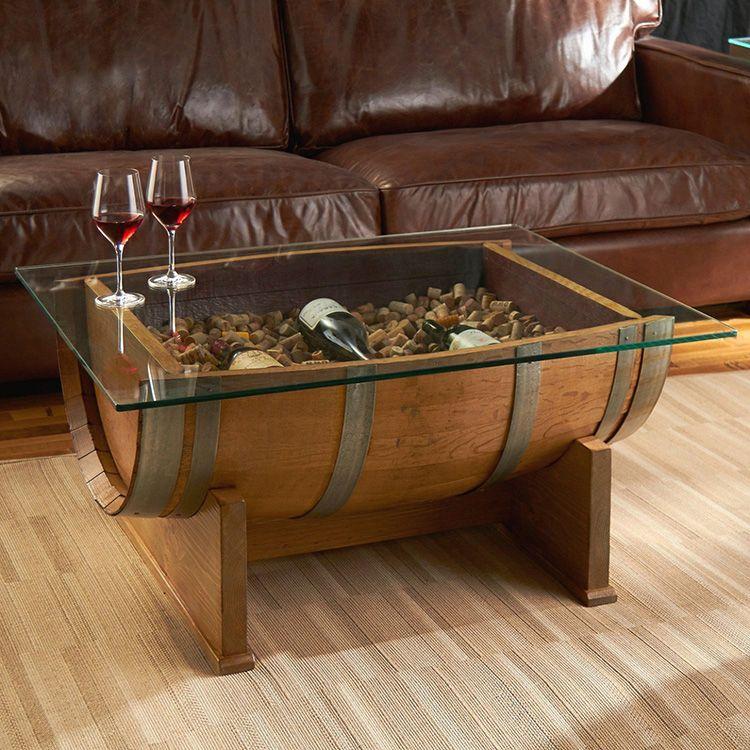При желании внутрь стола можно спрятать настоящие сокровища. По крайней мере, до какого-то времени они останутся не тронутыми
