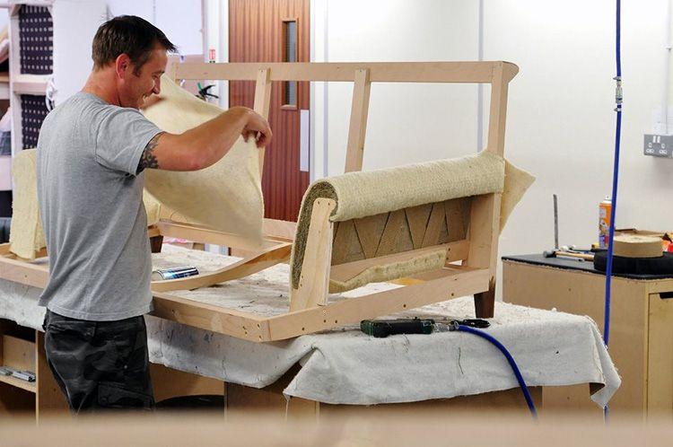 Если не получилось найти готовое изделие, пользуйтесь возможностью изготовить мебель по индивидуальному заказу