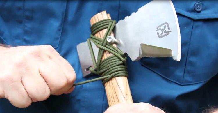 Если достаточно хорошо обмотать лезвие шнуром, то оно не разболтается, и можно срубить даже небольшое деревце