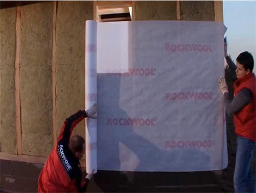 Ни холода, ни сырости: как установить утеплитель для стен дома снаружи под сайдинг