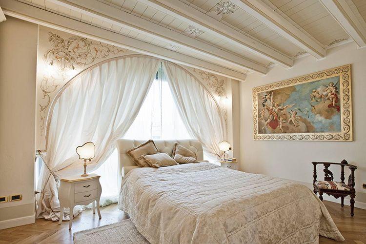 Классические рамки чаще всего вешают в спальне.
